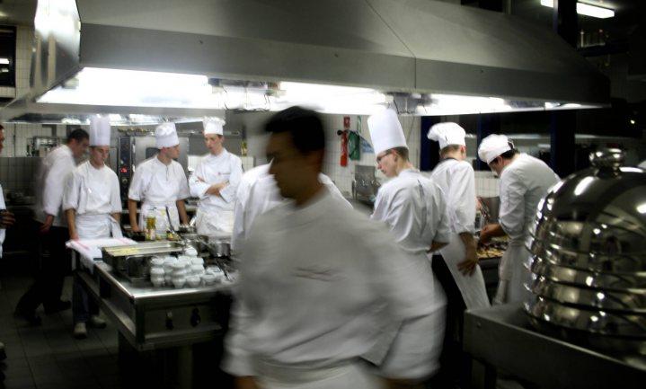 Franse koks roepen op tot actie tegen geweld in de keuken