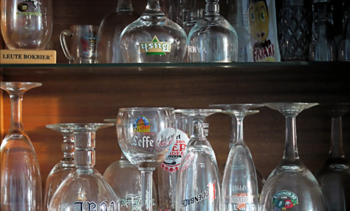 Schoen onderpand bij gebruik duur bierglas Belgisch cafe
