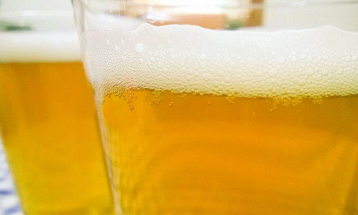 Geen benzine, geen bier en geen priklimonade - prijzen van koolzuurgas stijgen