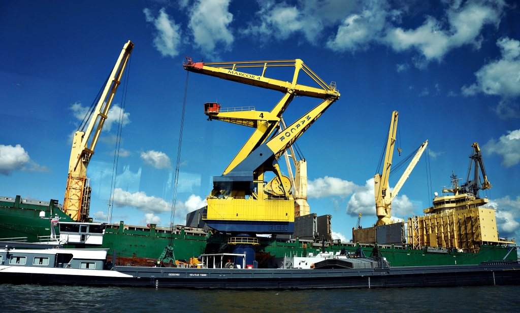 The Future of Global Trade & Logistics – six Conversation Starters