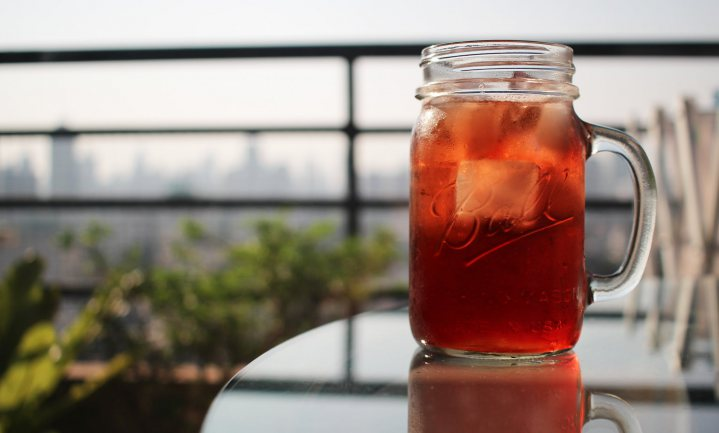 Tennissers drinken ice tea, of speciaalbier