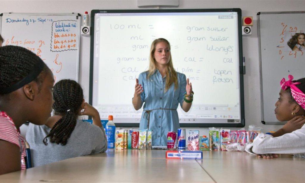 Kraanwater op school dringt overgewicht Amsterdam terug