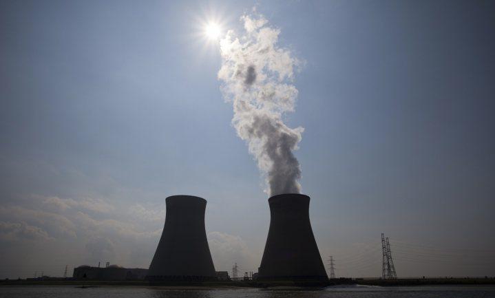 Stoken van akkers en uit bossen, leven van de wind en de zon of toch maar van kernenergie?