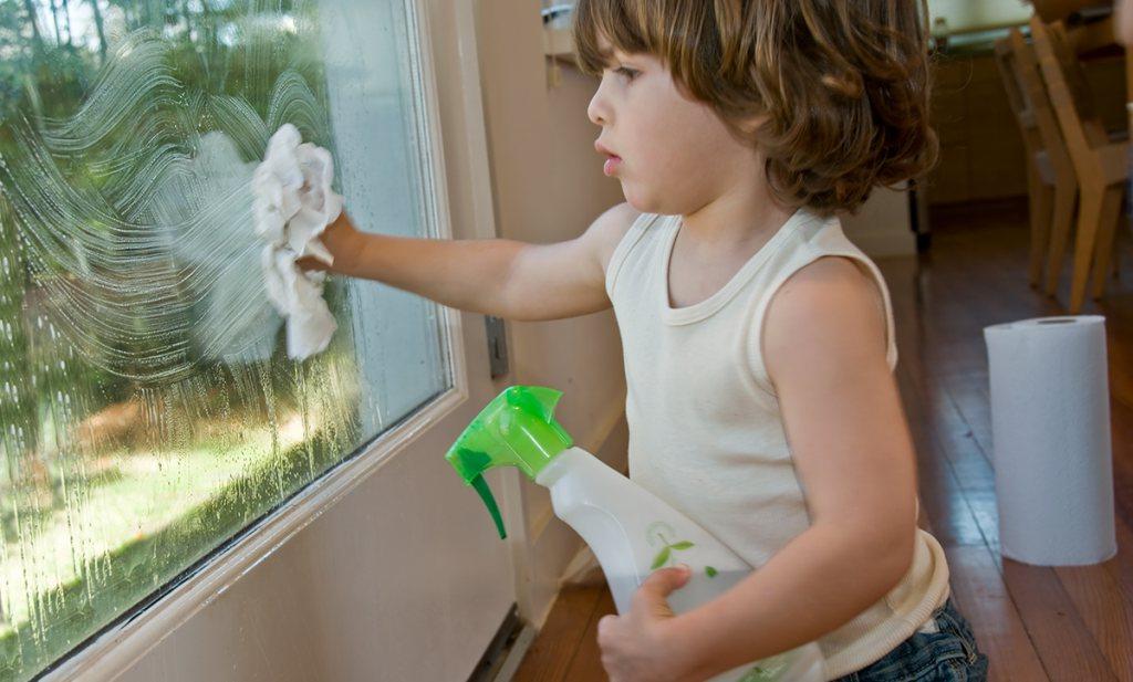 Schoonmaakmiddelen gevaarlijker dan microben