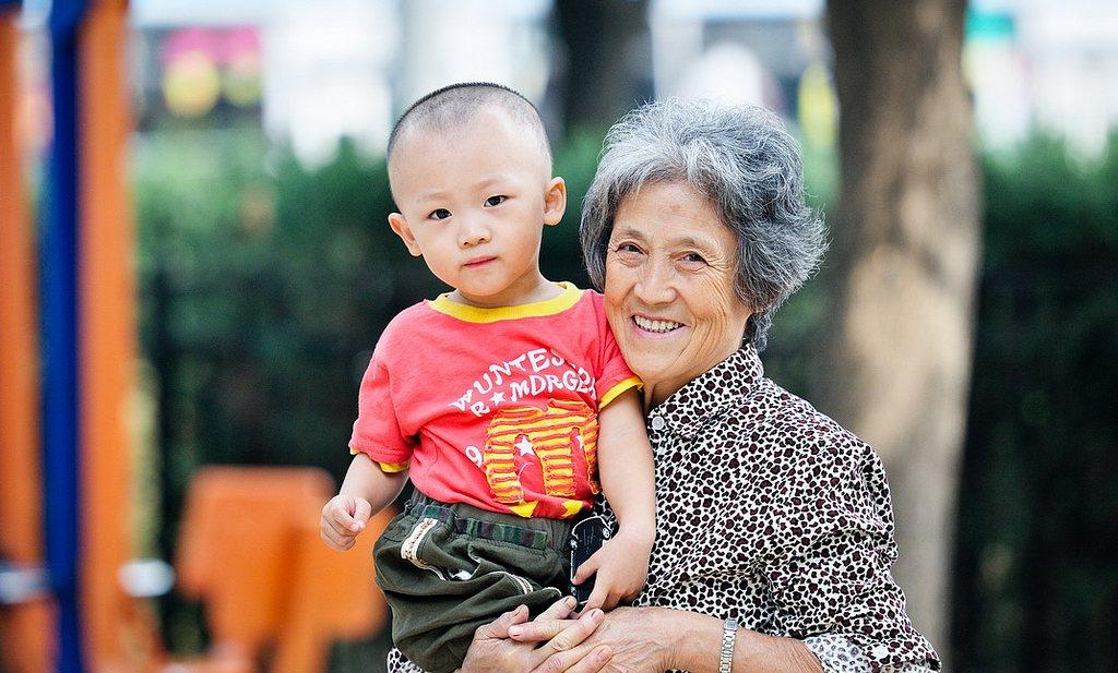 Chinese grootouders zien graag dik kleinkind