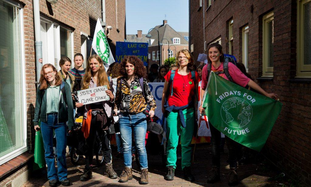 Jonge klimaatstakers: 'Blaren zijn niet het einde van de wereld, maar de klimaatcrisis is dat wel'