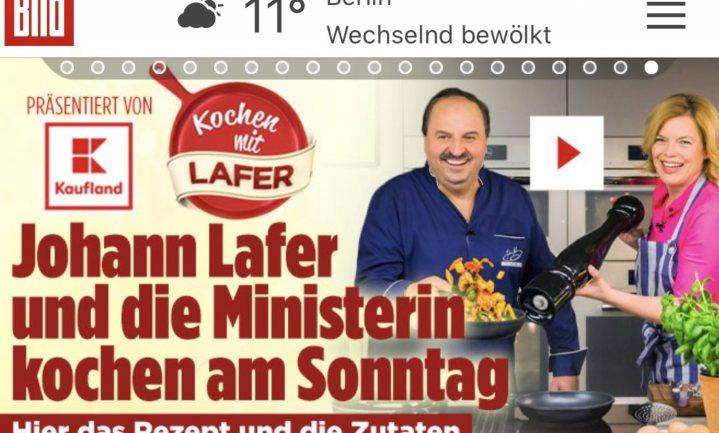 Kritiek op Duitse minister van Landbouw en Voeding: koken zonder mondkapje in een gesponsorde video