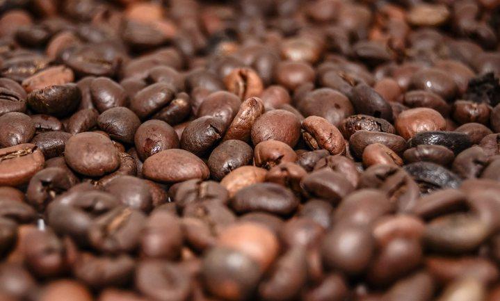 China stapt over op koffie en gaat die zelf telen
