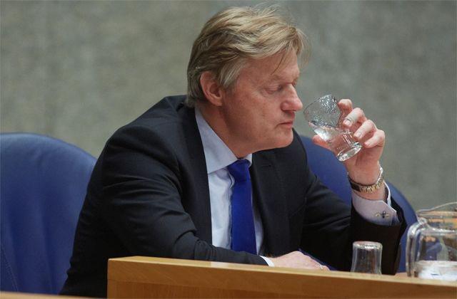 Martin van Rijn wijst promotie over jeugd en alcohol af
