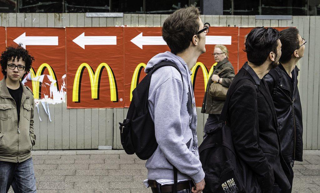 'Fastfoodrestaurants op weg naar school maken kinderen niet nog dikker'