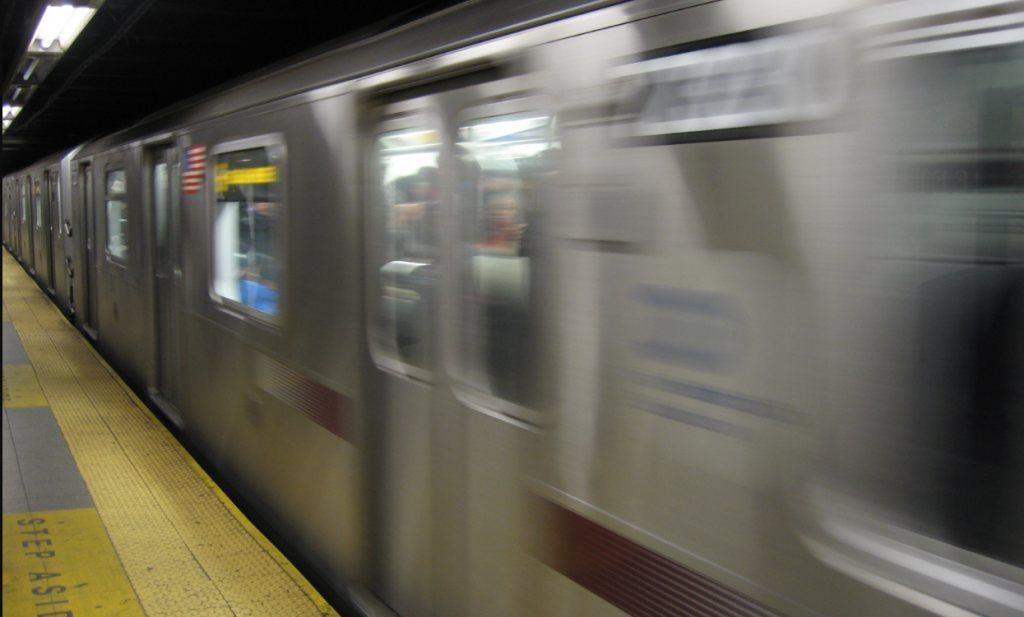 New York en Londen willen eetverbod in metro tegen brand en rommel