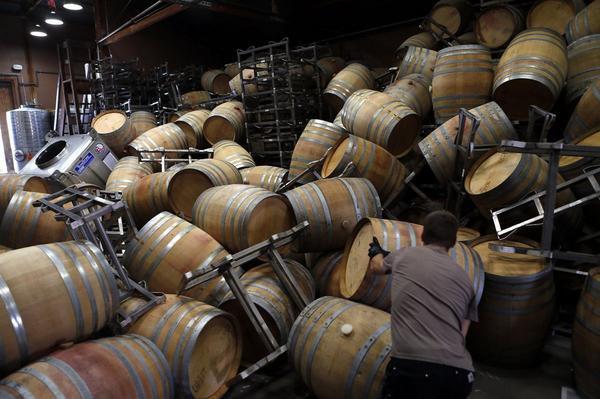 Wijnkelders, -flessen en -voorraden verwoest in Napa Valley