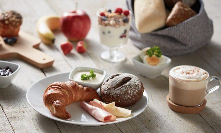 De logica van bijna gratis ontbijten bij IKEA