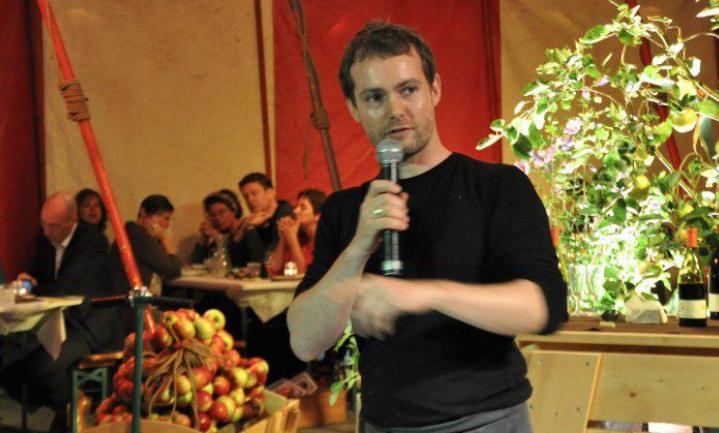 Uniek: Pepijn Schmeink bereidt 21 entrecôtes voor NieuwVers