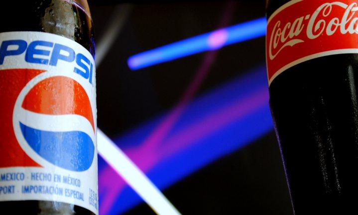 Waarom we Pepsi lekkerder vinden dan Coca-Cola