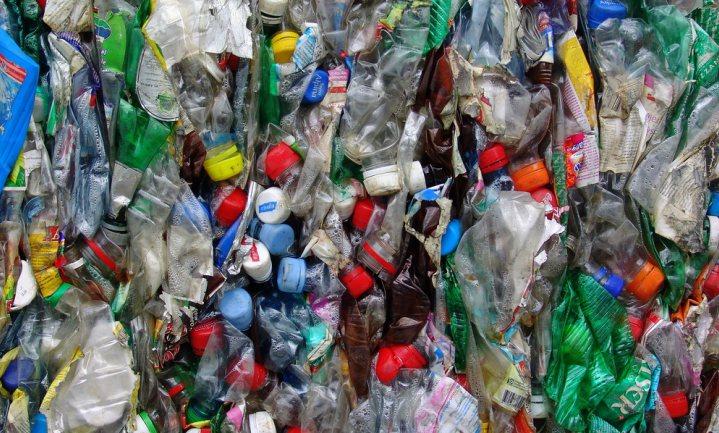 Lagere plasticprijs zet recyclingambities onder druk