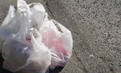 Plastic weggooizakjes minder fout dan je denkt