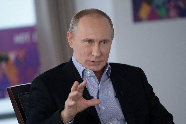 Poetin: geen tegensancties, wel een case tegen VS en EU