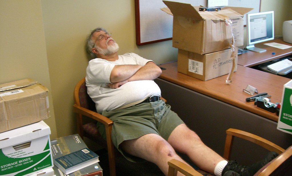 Slaperigheid en lange dutjes teken van risico diabetes 2