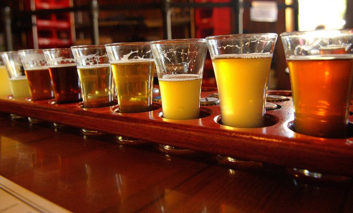 AB InBev stapt in bierplatform, brouwers eruit