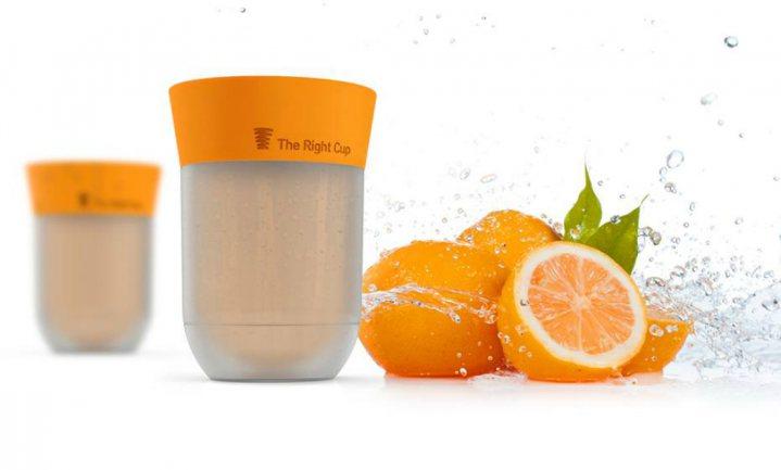 Misleid je hersenen met The Right Cup: drink water, proef fruitsap