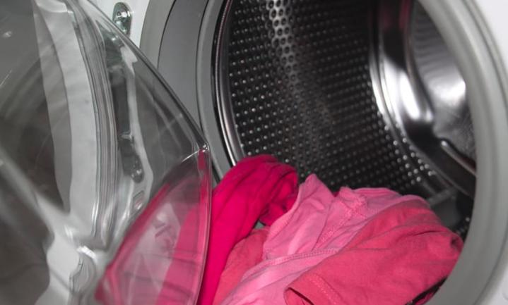 Kort en koud wassen goed voor milieu, maar baby's kunnen er ziek van worden