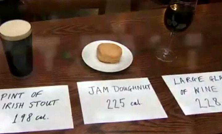 Een calorielabel, want rode wijn maakt dikker dan een donut