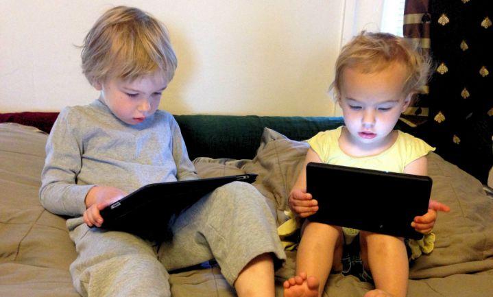 Spelen op tablet verstoort ontwikkeling spieren en botten kind