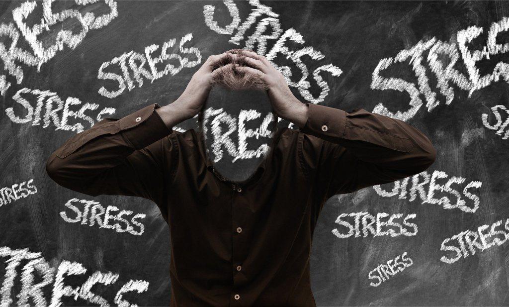 Vooral jongeren ervaren psychische klachten, docenten zijn proefkonijnen