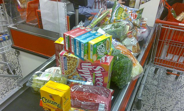 Consument bezuinigt op (uit) eten en gaat online