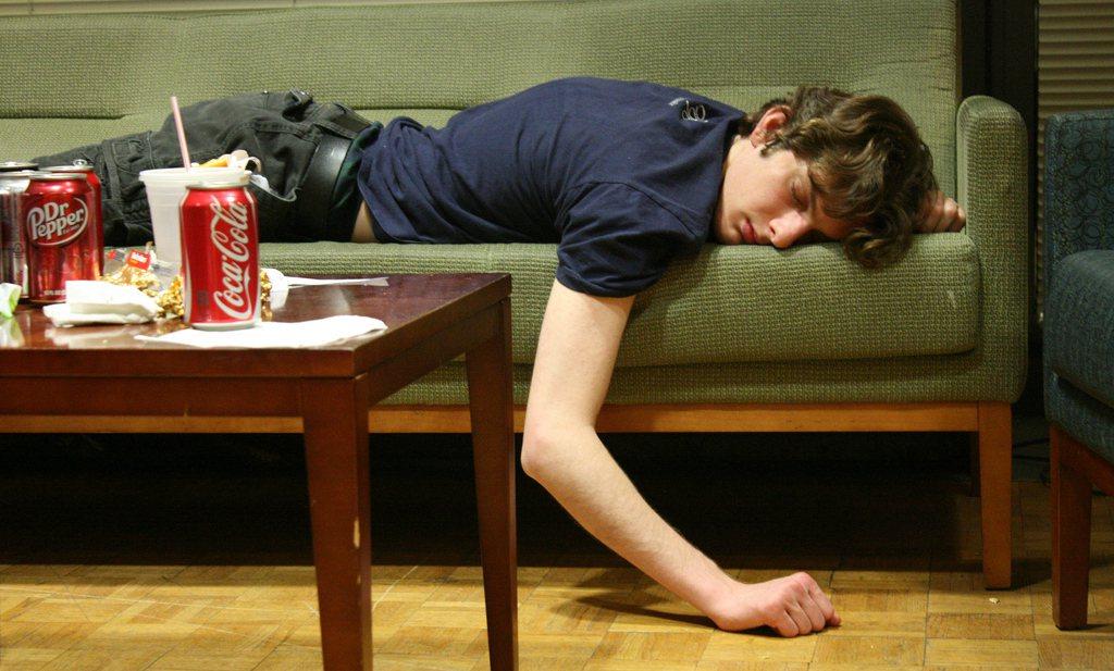 'Tieners worden niet dik van Internet'