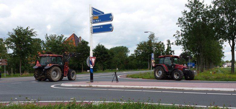 Eerste Nederlandse wegblokkade door boze boer in Beemster