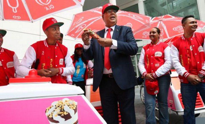 Unilever biedt werklozen 'sociaal werk' als ijscoman