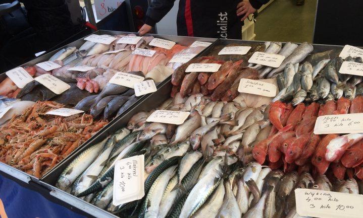 Minister adviseert noten en vis