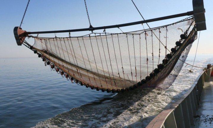 De visserij zit in een storm die maar niet wil luwen