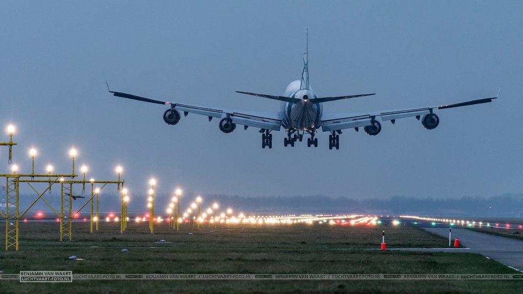 'Gebruik de coronacrisis om tot een duurzame luchtvaart te komen'