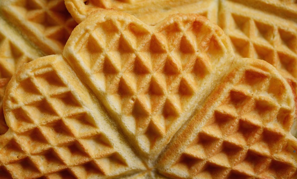 Nederlandse bakkerijen zien geen reden om 'eierkoeken' terug te nemen, de NWVA ook niet