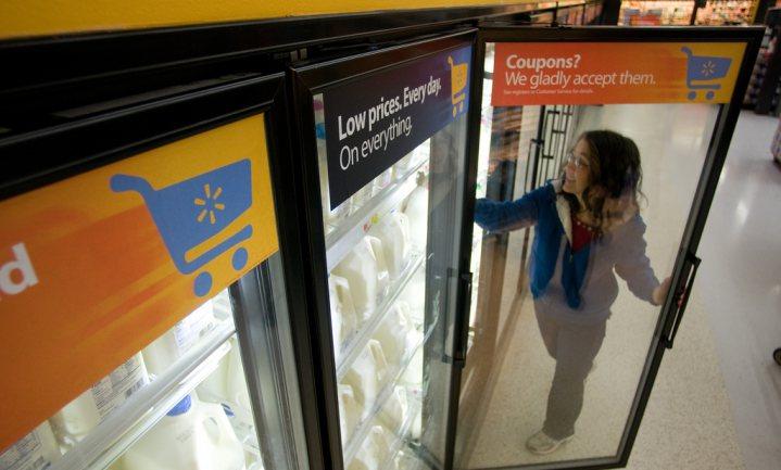 's Werelds grootste supermarktketen gaat eigen melk maken