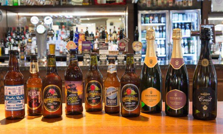 Britse pubketen verbant champagne en Duits bier