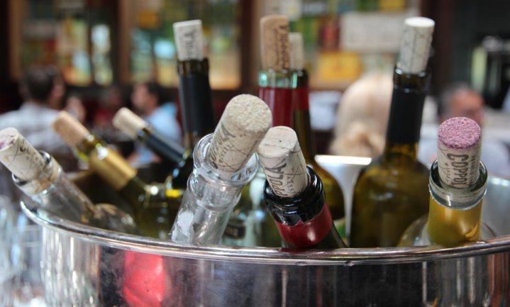 Franse landbouwminister vindt wijn 'een ander soort alcohol'