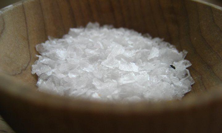 Chinezen moeten zoutgebruik halveren