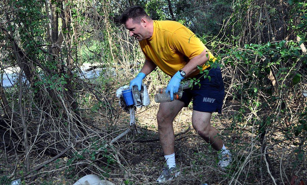 Zweden maken trend van hardlopen met vuilniszak